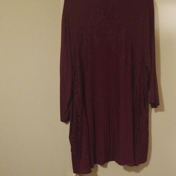 Liz & Me Tops - ❤3x Liz & Me plum purple tunic